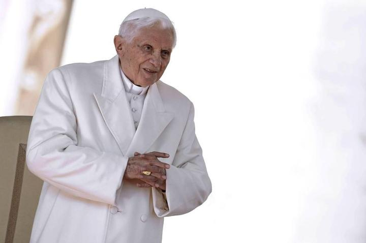 VI-IT-ART-22740-Ratzinger_ultimo_giorno1