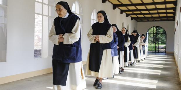 web-france-abbey-morbihan-sisters-c2a9cyril-badetciric