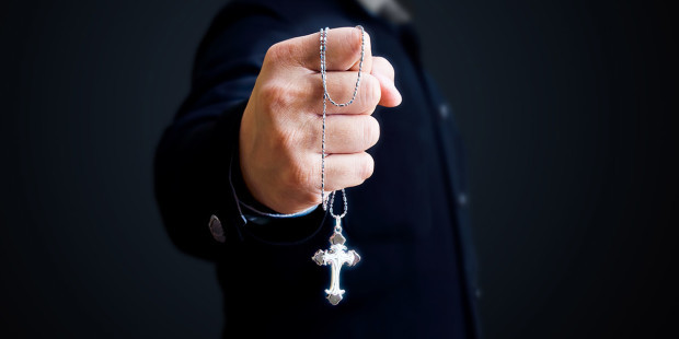web3-exorcism-rosary-priest-hand-shutterstock_102190528-nixx-photography-ai.jpg