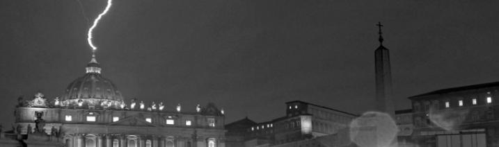 cropped-roma-vaticano-fulmine-40011
