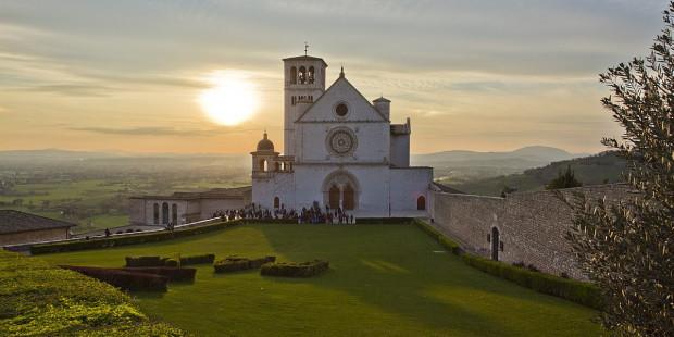 web-italy-assisi-basilica-saint-francis-trolvag-i-cc-by-sa-3-0