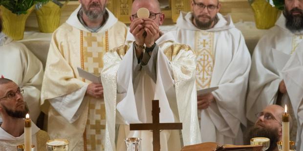 cfr-franciscan-friars-sisters-holy-thiursday-bronx-2019-jeffrey-bruno-006