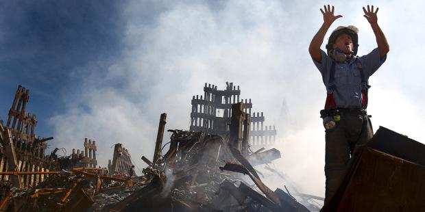 web3-wtc-911-world-trade-september-11-fdny-firefighter-debris-us-navy-photo-by-journalist-1st-class-preston-keres-released.jpg
