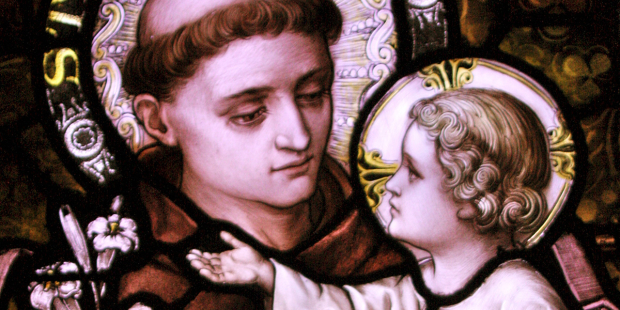 web3-st-anthony-of-padua-and-the-infant-christ-stain-glass-kevin-dooley-cc-by-2-0